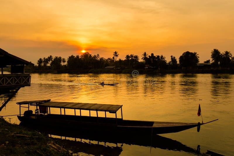Zonsondergang op Don Khone Laos royalty-vrije stock foto