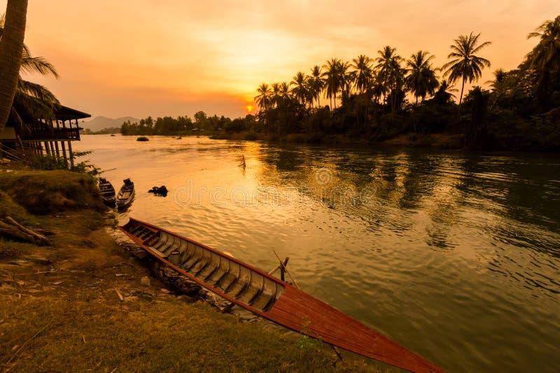 Zonsondergang op Don Khone Laos royalty-vrije stock afbeelding