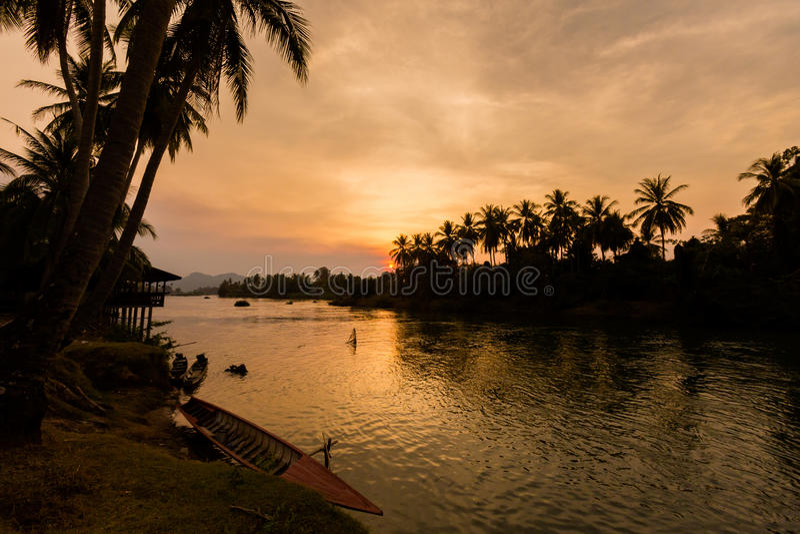 Zonsondergang op Don Khone Laos royalty-vrije stock foto's