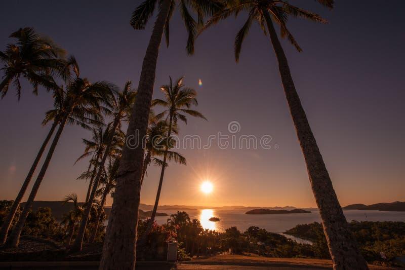 Zonsondergang op Hamilton Island, Australië stock afbeeldingen