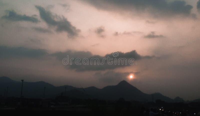 Zonsondergang op het onderstel royalty-vrije stock foto's