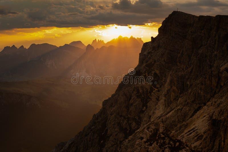 Zonsondergang op Lagazuoi royalty-vrije stock fotografie