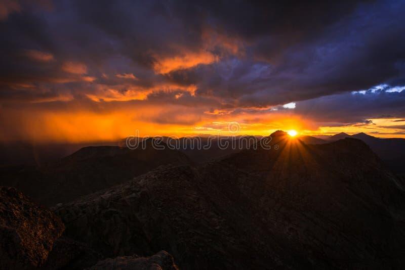 Zonsondergang op Onderstel Evans stock fotografie