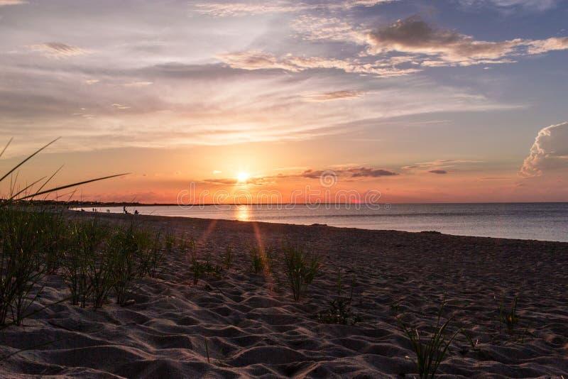 Zonsondergang op oostkustbaai royalty-vrije stock afbeeldingen