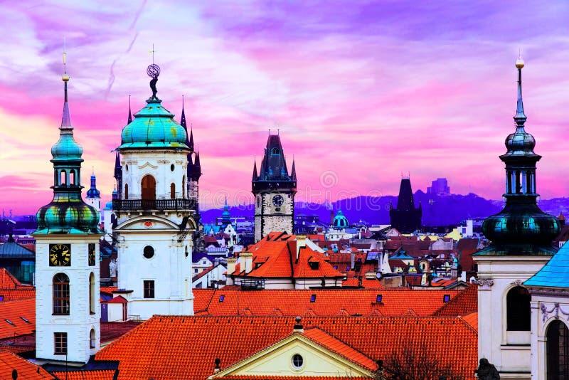 Zonsondergang op Praag stock afbeelding