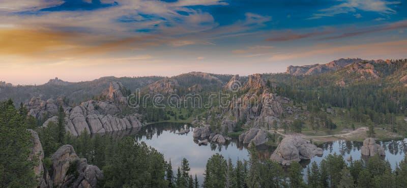 Zonsondergang op Sylvan Lake, Zuid-Dakota royalty-vrije stock foto's