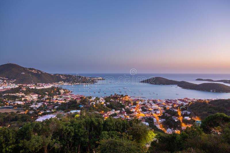 Zonsondergang over Charlotte Amalie St Thomas royalty-vrije stock foto's