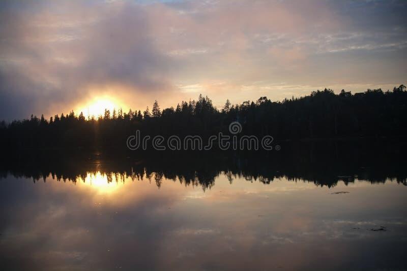 Zonsondergang over Crocket-Inham in Stonington, Maine royalty-vrije stock fotografie