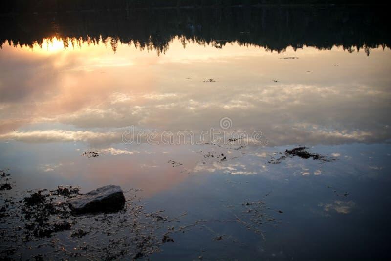 Zonsondergang over Crocket-Inham in Stonington, Maine royalty-vrije stock foto