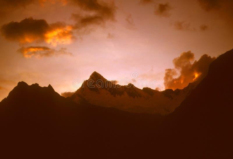 Zonsondergang over de Andes stock foto's