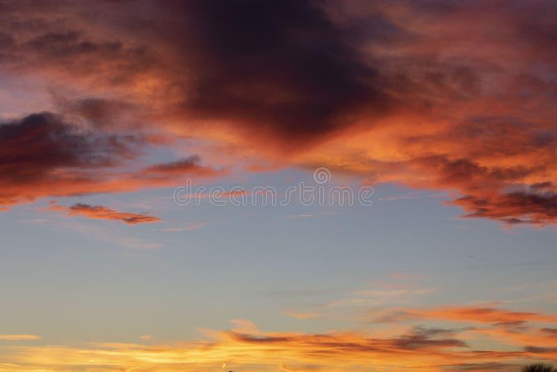 Zonsondergang over de bergen in Denver royalty-vrije stock afbeeldingen