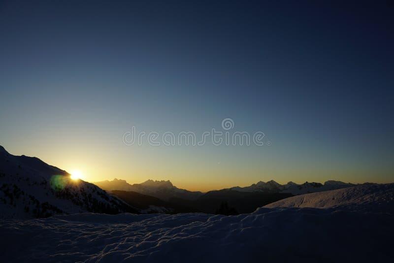 Zonsondergang over de deuken du Midi royalty-vrije stock afbeelding