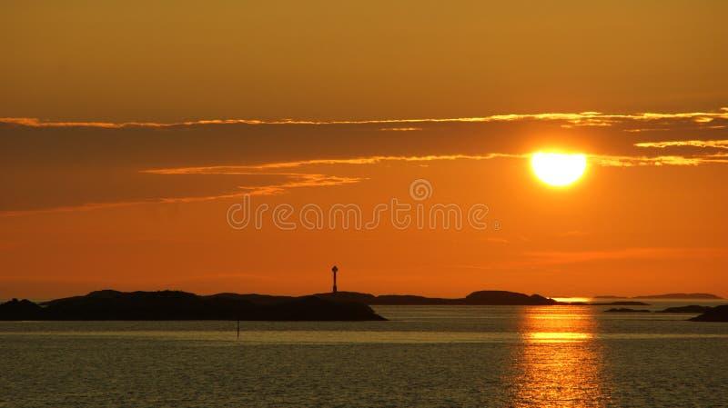 zonsondergang over de horizon stock afbeelding