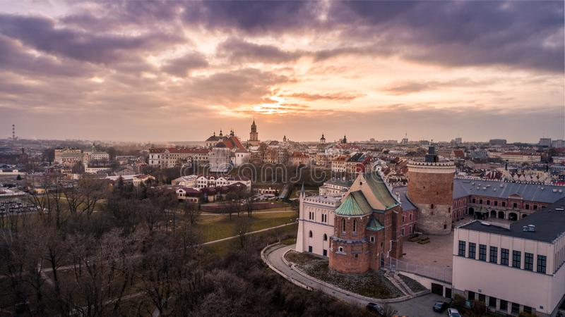 Zonsondergang over de stad van Lublin stock fotografie