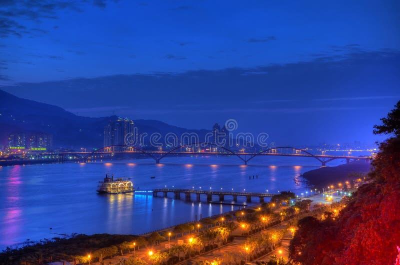 Zonsondergang over de Tamsui Rivier, noordelijk Taiwan stock afbeelding