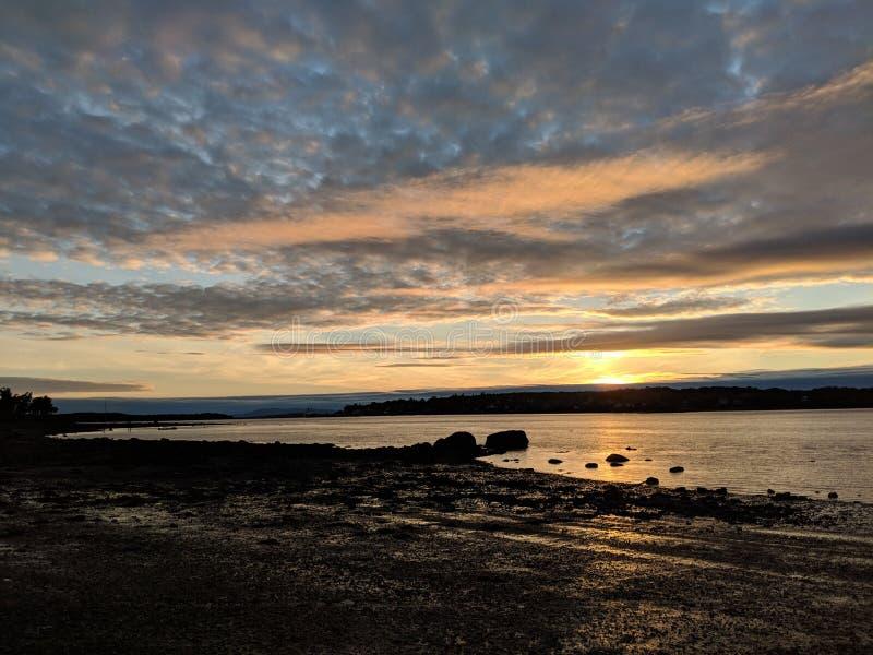 Zonsondergang over een Rivier in Maine royalty-vrije stock foto