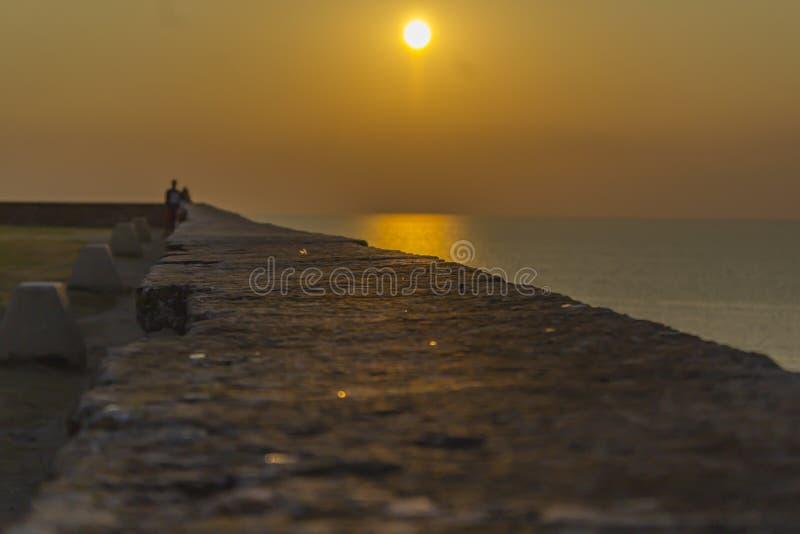 Zonsondergang over het Adriatische overzees royalty-vrije stock foto