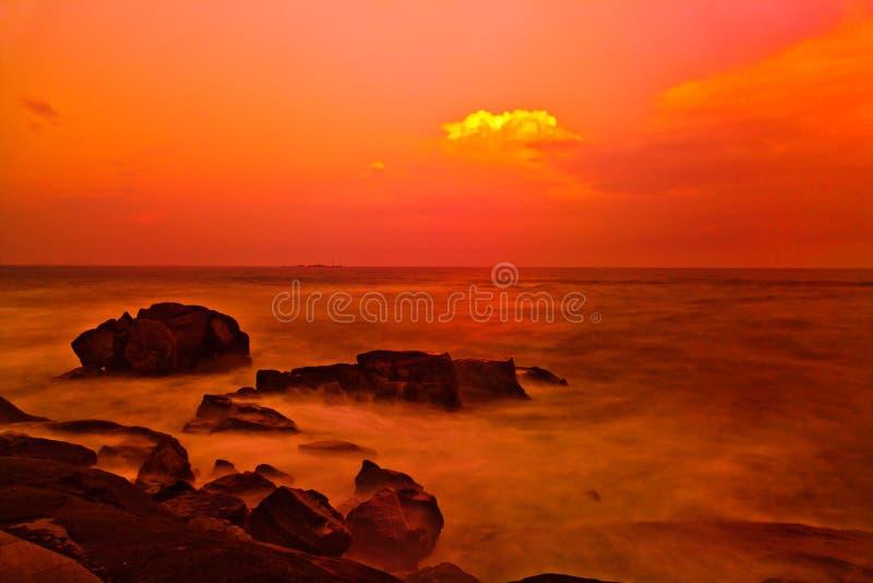 Zonsondergang over het Overzees van China stock afbeelding