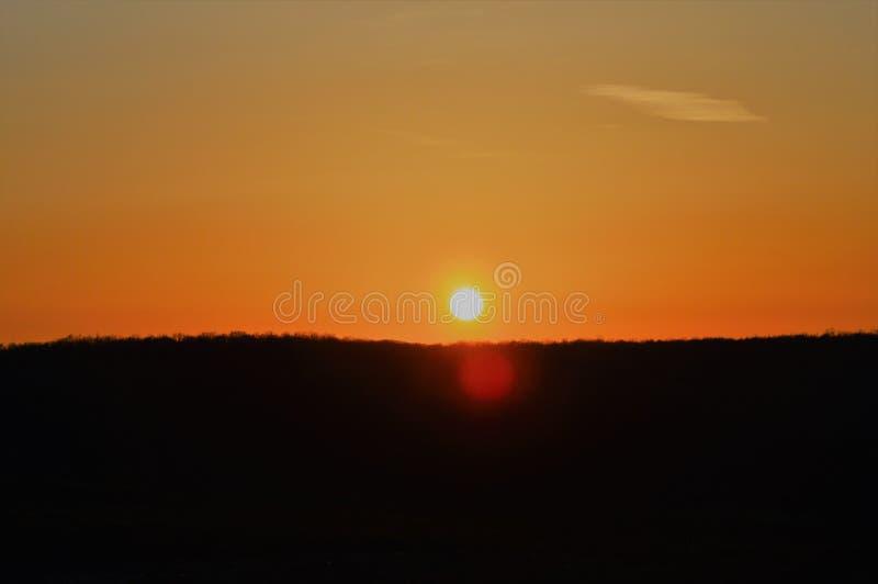 Zonsondergang over horizon royalty-vrije stock afbeeldingen