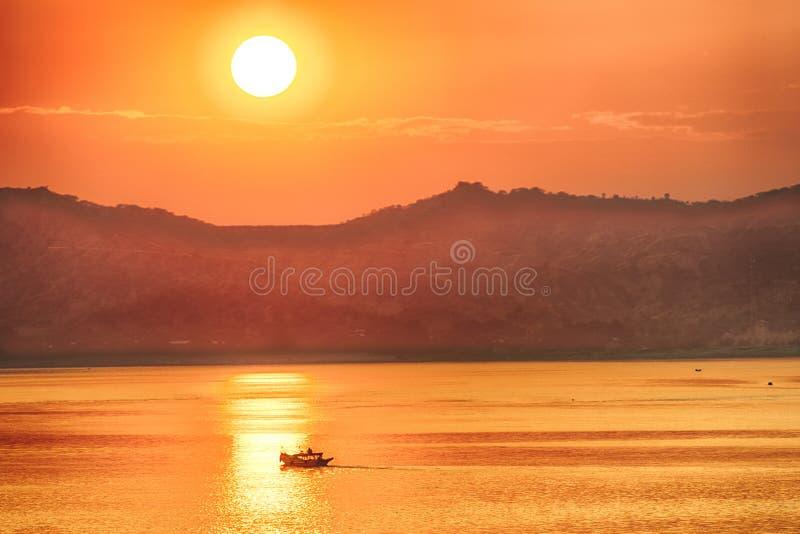 Zonsondergang over Irrawaddy stock fotografie