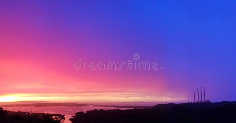 Zonsondergang over lang eilandgeluid royalty-vrije stock afbeeldingen
