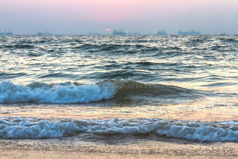 Zonsondergang over overzees stock fotografie