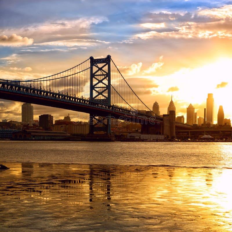 Zonsondergang over Philadelphia stock foto's