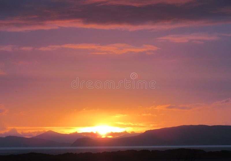 Zonsondergang over Rossbeigh-Bundel royalty-vrije stock fotografie