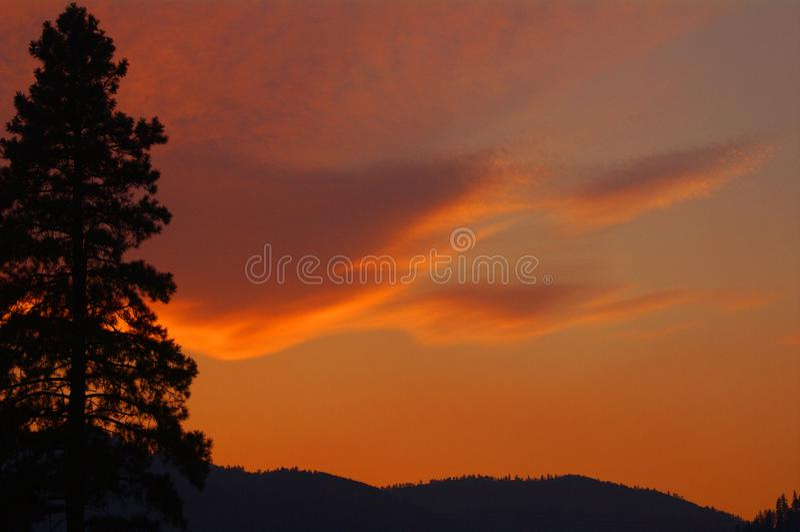 Zonsondergang over Sapphire Mountains, Montana stock afbeeldingen