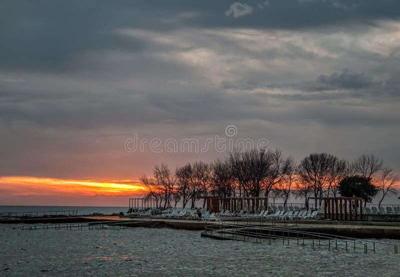 Zonsondergang Overzees toevlucht stock fotografie