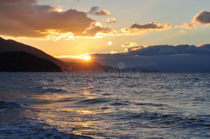 Zonsondergang in paradijs royalty-vrije stock afbeeldingen