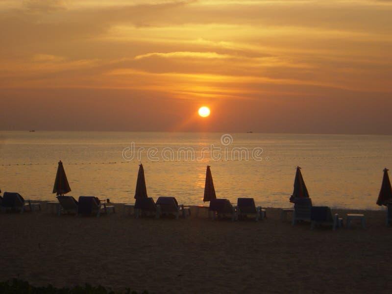 Zonsondergang in Phuket, Thailand royalty-vrije stock afbeeldingen