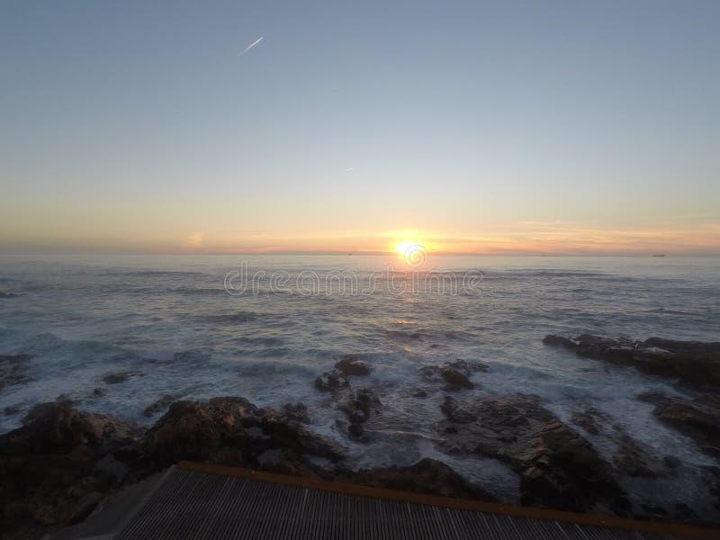 Zonsondergang Portugal 🠇 µðŸ ‡ ¹ royalty-vrije stock afbeelding