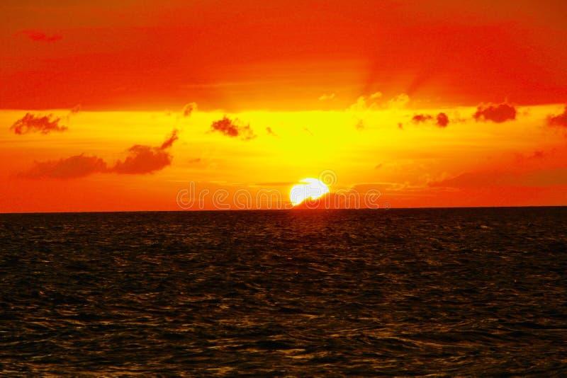Zonsondergang in Puka Shell Beach Boracay Philippineâ €™s royalty-vrije stock fotografie