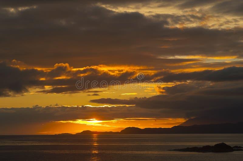 Zonsondergang, Punt van Sleat, Skye, Hebrides, Schotland, royalty-vrije stock fotografie