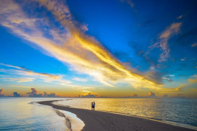 Zonsondergang Romaans op het Eiland de Maldiven stock fotografie