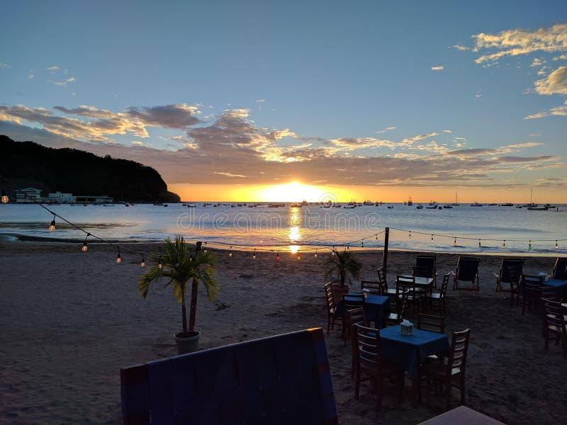 Zonsondergang San Juan del Sol Nicaragua royalty-vrije stock foto's