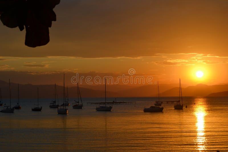 Zonsondergang in Santo Antonio de Lisboa - Santa Catarina - Brazilië royalty-vrije stock foto's
