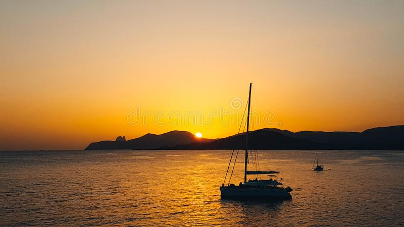 Zonsondergang in Ses Salines S Vedra, Ibiza royalty-vrije stock foto's