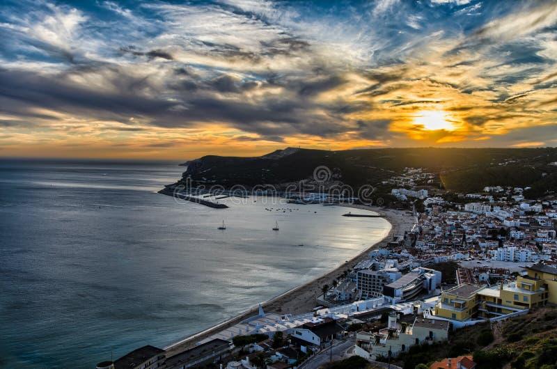 Zonsondergang in Sesimbra, Portugal royalty-vrije stock foto