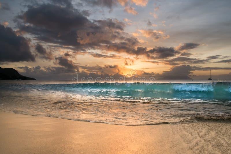 Zonsondergang in Seychellen stock foto