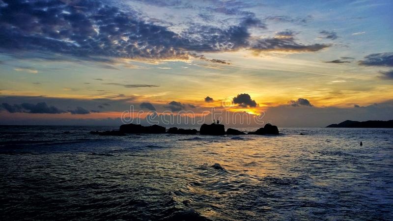 Zonsondergang Seychellen stock afbeelding