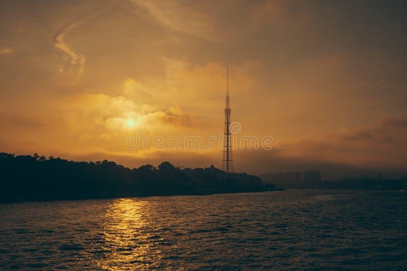 Zonsondergang in St Petersburg stock foto's