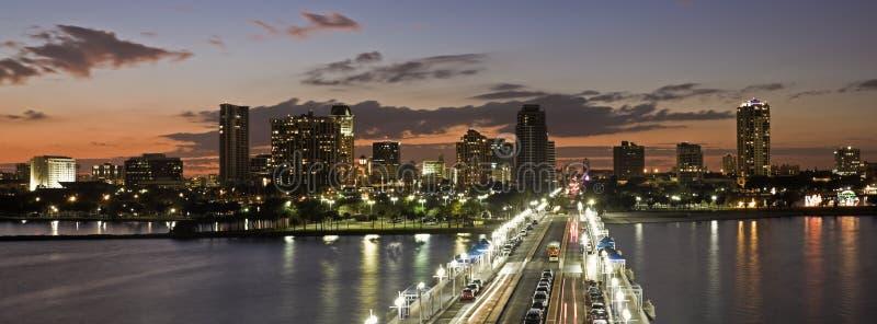 Zonsondergang in St. Petersburg stock fotografie