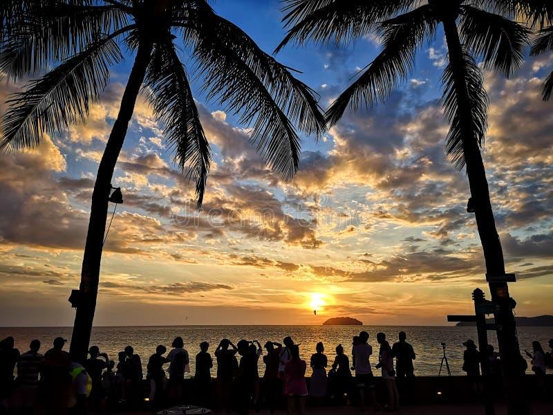 Zonsondergang in Strand royalty-vrije stock fotografie