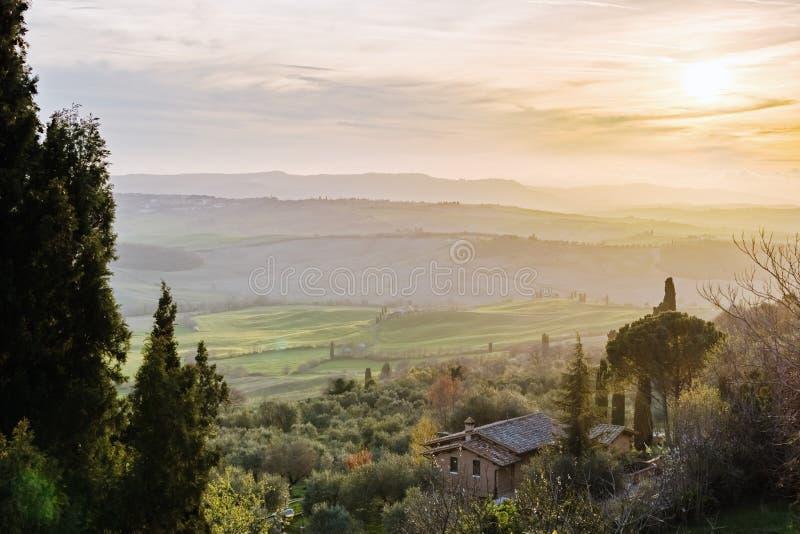 Zonsondergang in Toscanië royalty-vrije stock foto's