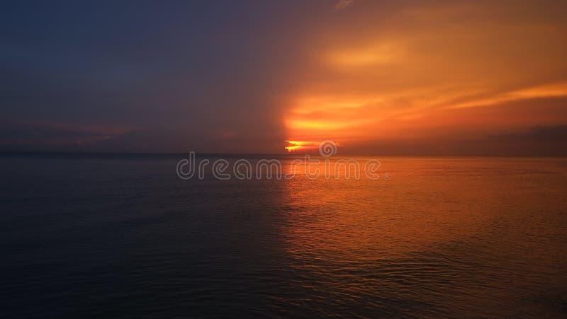 zonsondergang twee toon stock foto