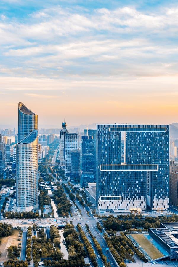 Zonsondergang van de Nieuwe Stad van Qianjiang, Hangzhou, Zhejiang, China stock fotografie