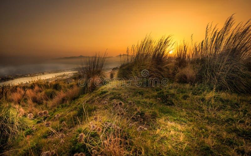 Zonsondergang van de Siciliaanse heuvels stock foto's