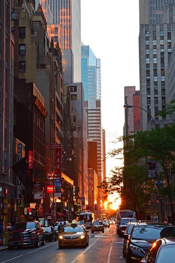 Zonsondergang van de Stads concrete wildernis die van New York wordt gezien stock foto's